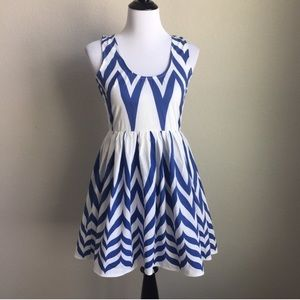 LF Angel Biba White & Blue Chevron Dress, sz 6 M
